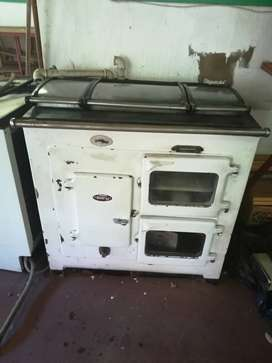 Esse Fairy coal stove with 2 extra grits and 1 antricite stove