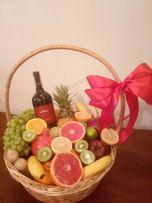 Букеты, цветочные композиции в коробках, свадебные и фруктовые букеты)