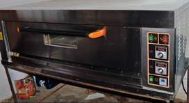 1 deck 3 tray oven used only for 3 months.