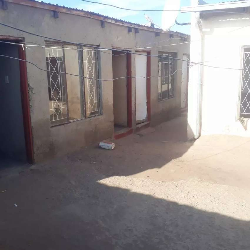 House for sale at Braamfischer phase 2 with 12  outsiderooms for R550k