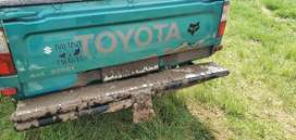 WANTED   REAR BUMPER ON 1999 TOYOTA HILUX