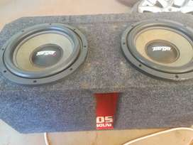 Sound.. Amp 300rms. Subs 5000rms.