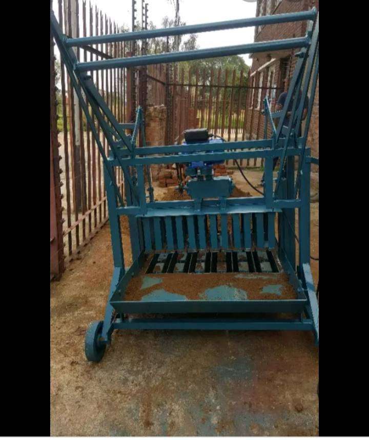 Brick making machine to swap for a corsa bakkie or any other car. 0