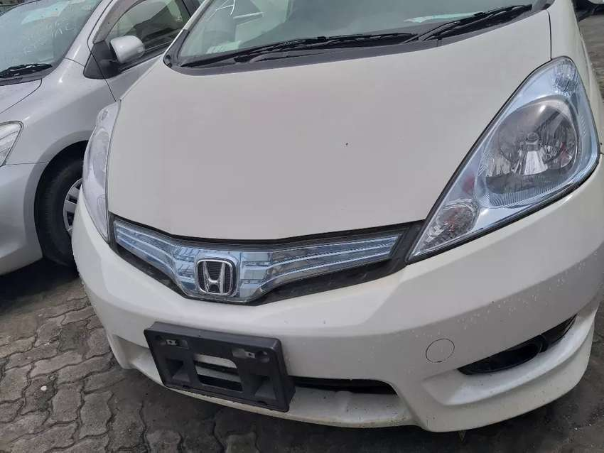 Honda Fit shuttle - Hybrid 0
