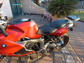 Red K1300S  Manual speed control. Performance exhaust. Lowered