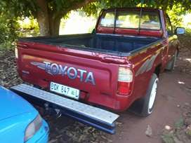 Im seli Toyota bakkie good condition no space for it