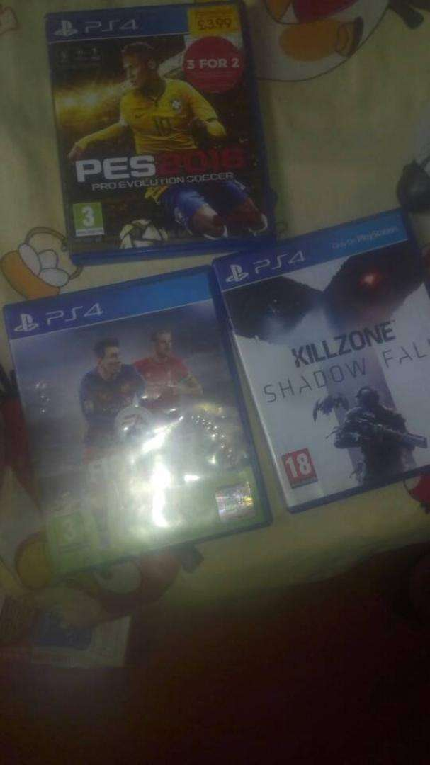 PS4 Controller and 3:games 0