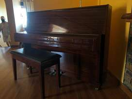 Piano: Strauss UP-110A Upright
