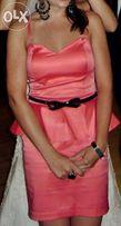 Piękna sukienka malinowa z baskinką zip