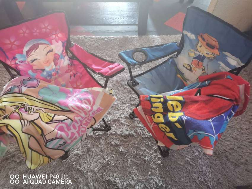 Bush baby camping chairs and towels 0