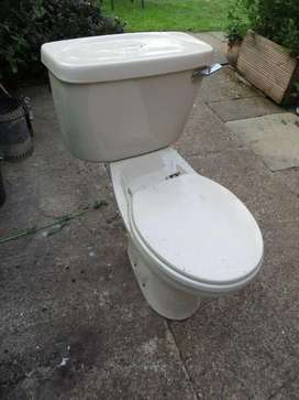 Toilet with cistern
