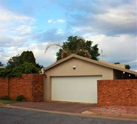 Neat 3 bedroom family home in Potchefstroom