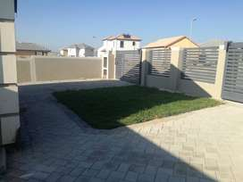 2 Bedroom House to rent in Blue Hills
