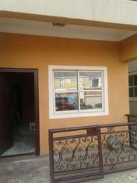 2 bedroom flat for rent, good environment pay and park in fenced 0