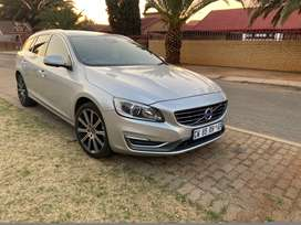 Volvo v60 t3 ,  2014 model  , DVD Player , a/c , p/s , e/ w, smash and