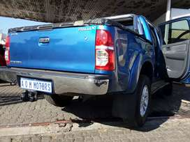 Am Selling TOYOTA HILUX