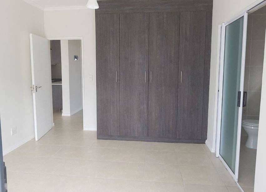 ROOM IN 3BED 2BATH APARTMENT – FEMALE ONLY! 0