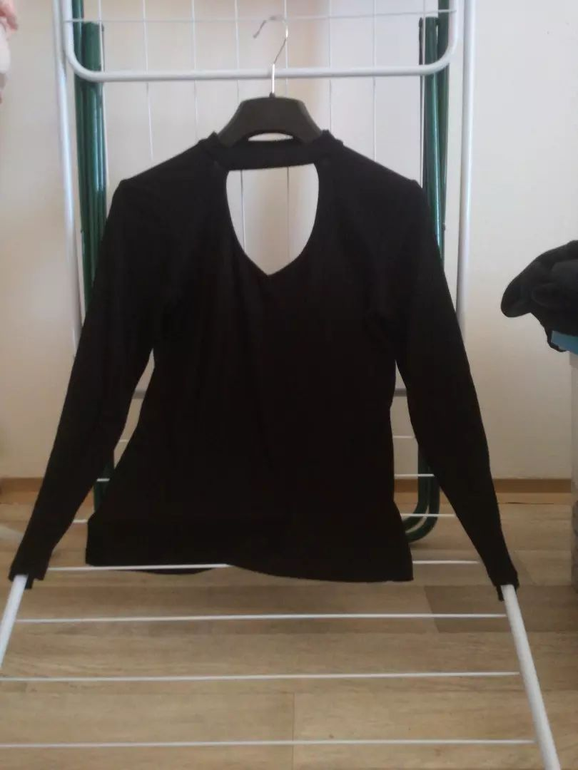 Černé tričko s dlouhým rukávem 0