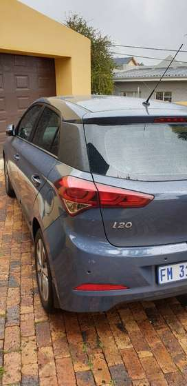 Hyundai i20 for sale,  the car is automatic