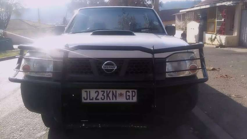 NISSAN NP300 HARDCOPY LONG BASE IN EXCELLENT CONDITION