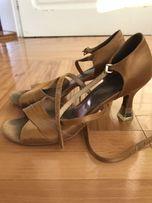 Танцевальные туфли на девочку