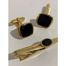 Stratton Black and Gold Tie Clip and Cufflinks Set