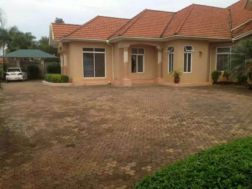 House for sale in Bunga  6 bed rooms, 6 bathrooms  3 boys quarters 0