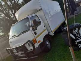 4 tonne delivery truck