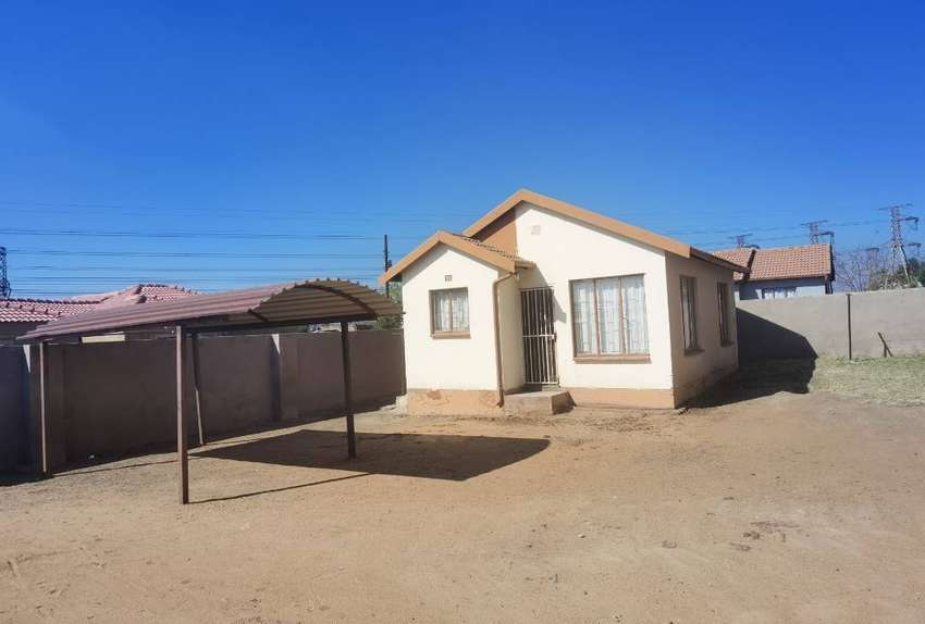 House available for rental  from October 2021