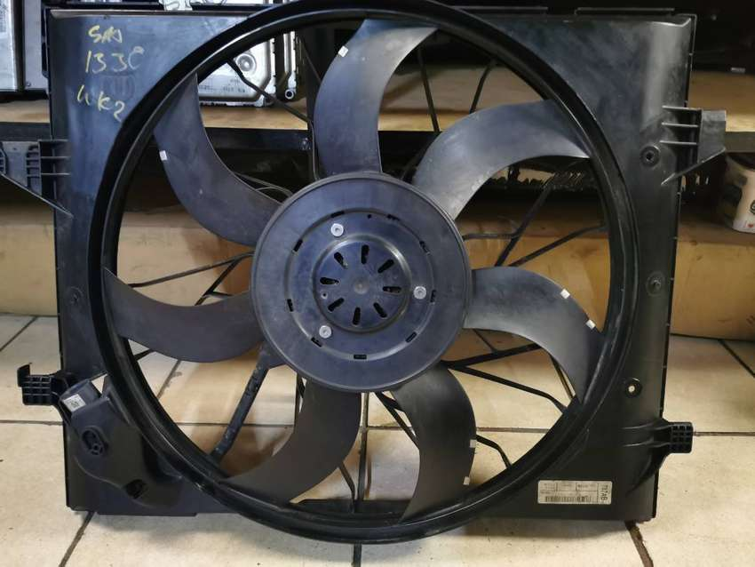 JEEP GRAND CHEROKEE 3.0 WK2 USED REPLACEMENT RADIATOR FANS- USA SPARES 0