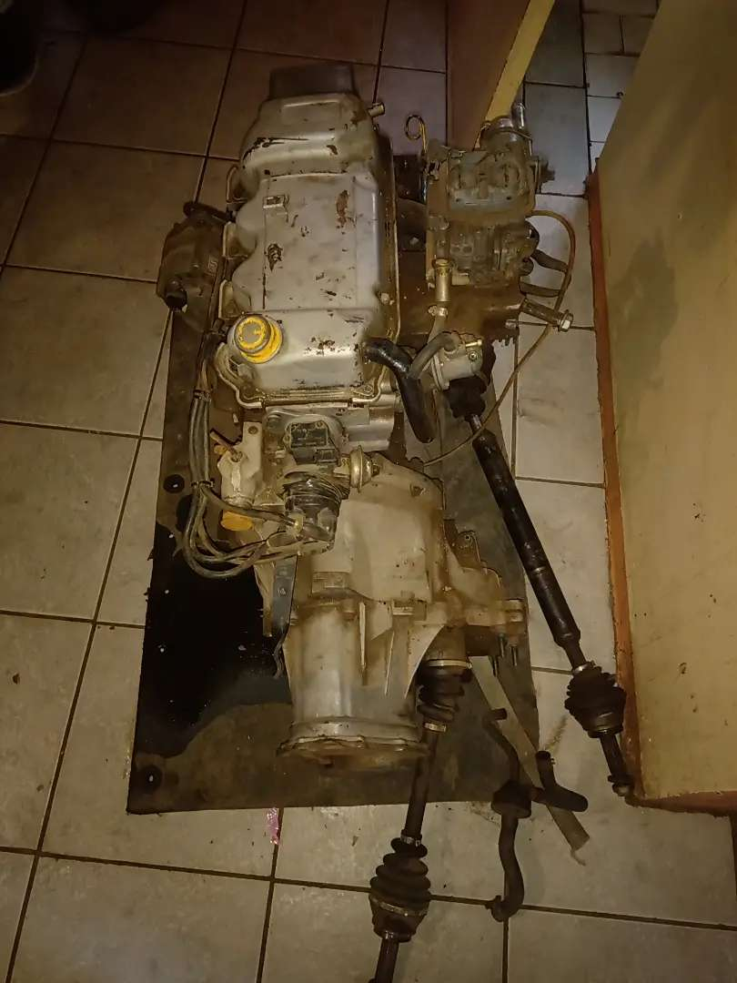 Ford xr3 ford Bantam 1.6 engine with gearbox for sale 0