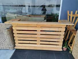 Pine wooden bar with 4 bar stools for sale