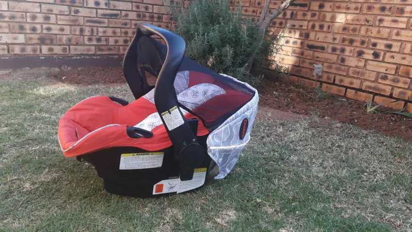 Chellino stroller and carseat for babies 0