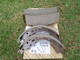 2015 TOYOTA HILUX REAR SHOE BRAKE KIT FOR SALE. BRAND NEW OEM