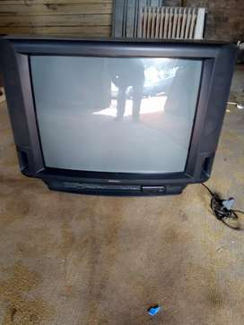 74CM COLOUR TV WORKING PERFECTLY