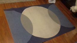 dywan Ikea niebiesko biało szary wzory