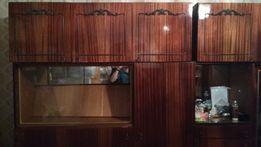 Стенка из шкафов и прихожей