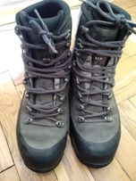 Ботинки, черевики Lowa