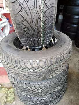 """265/65/17"""" Continental cross contact tyres r7000."""