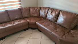 Brown leather cornet couch