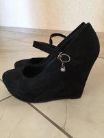 Черные замшевые туфли на платформе