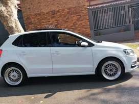 VOLKSWAGEN POLO 6 WITH SUN ROOF AND SPARE KEYS