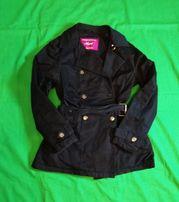 Czarny, wiosenno-jesienny płaszcz marki Next