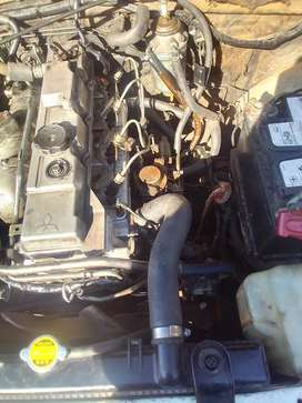 I am selling 2.8 diesel  engine with new cylinder head nothing to fix