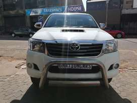 Toyota Hilux 3.0 D4D club cab manual 2014 for SELL