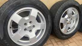 Land Rover Discovery 3 mags and tires