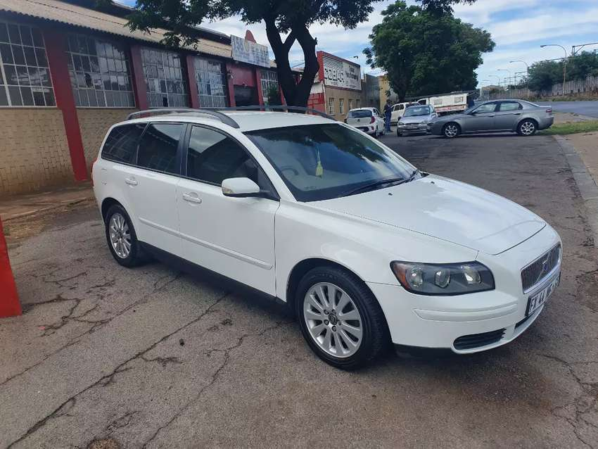 2006 Volvo V50 Station wagon Manual 0