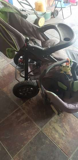 CHELINO Jogger Stroller and car seat