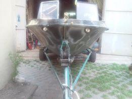 Продам лодку Крым с мотором Mercury 20