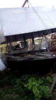 Лодка Крым с местом в клубе Комунаровец